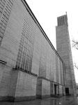 Strassenansicht der Antoniuskirche (spöttisch auch Seelensilo genannt) im Jahre 1974