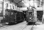 Der Trammotorwagen Be 4/4 Nr. 443 und ein Anhängewagen in der BVB-Werkstätte, 1969
