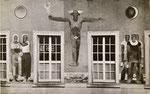 Die Hausfassade der alten Börse mit den Original-Wandbildern von A.H.Pellegrini. Nach dem Abriss wurden Fragmente dieser Bilder in der Einfahrt zum Spiegelhof angebracht, 1937 (siehe nachfolgendes Bild - Fotograf: ?)