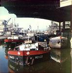 Ein bekannter Blick ins Hafenbecken 1 des Rheinhafens Basel, 1963