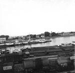 Blick auf die Hafeneinfahrt und auf den Dreiländereck im Jahre 1969