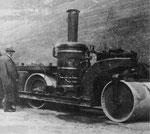 Eine seltene Dampfwalze mit stehendem senkrechtem Kessel in Basel - vermutlich 1905