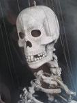 """Squelette """"Un cerf-volant sur l'avant-bras"""" 2002 Th. Le Poche Photo: C. Merlini"""