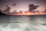Il mare impetuoso al tramonto ...