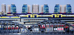 DB Kopfbahnhof mit Geschäftsviertel - DB station with business district