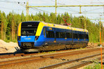 Norrtåg Regionalzug wartet auf die Streckenfreigabe in Ripats/S