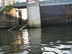 die Schleuse Donau abwärts