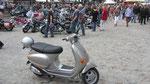 unsere Vespa fühlt sich wohl bei den Harleys :-)