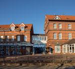 Borkum: Casino am Bahnhof der Kleinbahn