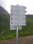 Wegweiser oberhalb Kemptener Hütte