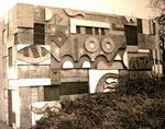 Betonrelief, Schule Altrip Rh., 1968 - © Copyright 2014 by HEINRICH BETZ, Rheinland-Pfalz/Saarland | Alle Rechte vorbehalten