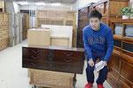 尾張旭市より修理依頼の刀箪笥を引き取りに来てもらいました。