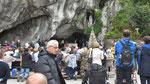 Samstag: Lourdes, Grotte der Marienerscheinung