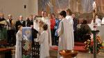Auferstehungsfeier am Ostersonntag  um 5:00 Früh, Weihrauch beim Ambo