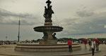 Mittwoch: Bordeaux, Brunnen auf dem Börsenplatz