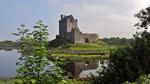Mittwoch: Dunguaire Castle in der Burren Region.