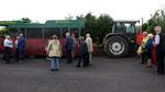 """Dienstag:  Traktor-Rundfahrt """"Old-Sod Tour"""" zum Hilltop Aussichtspunkt."""
