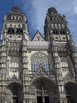 Sonntag: Kathedrale von Tours