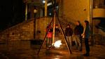 Auferstehungsfeier am Ostersonntag  um 5:00 Früh, Osterfeuer vor der Kirche