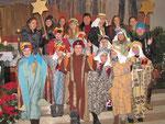 Mittwoch: Sternsinger Messe, Gruppenfoto der vier Gruppen