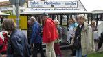 Samstag: Mit der Bimmelbahn fahren wir zum Pfahlbauten Museum.