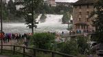 Sonntag: Der Rheinfall bei Neuhausen.