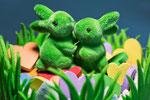 Frühling wird es weit und breit, und die Häschen steh`n bereit. Sie bringen zu der Osterfeier viele bunte Ostereier. – Volksmund–