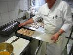Heissgeräuchertes Zanderfilet an Vermouthsauce auf Rahmsauerkraut mit Kartoffelperlen! Leider kein Foto!