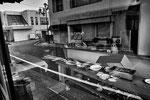 "Ristorante saccheggiato, Odaka city, Fukushima ""No-Go Zone"", Giappone"