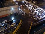 Zum Herausfahren der Neuwagen kommt jeweils eine Equipe des jeweiligen Hafens, hier in Vitoria Brasilien