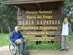 Ende der Ruta 3, die letzten 24km der 3079 km seit Buenos Aires sind Naturstrasse im Nationalpark Tierra del Fuego