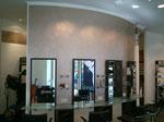 Gestaltung eines Friseurladens mit Effektbeschichtung