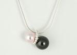 Perlenanhänger in rosa und schwarz mit Silberring