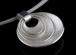 Silberkette mit beweglichen Ringen