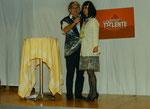 Albertos Modeschau: vorgeführt von internationalen Top-Models. Isabella aus Barcelona trägt ein Hemd von Alberto