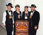 Die Beamten 1996: König Werner Bossert, Under Helen Müller, Näll Trudi Degelo, Ober Kobi Grünenfelder