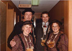 Die Beamten 1985: Geissunder Agnes Zurgilgen, Geissnäll Christie Rohrer, Geisskönig Felix Enz, Geissober Bärti Mathis