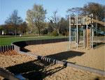 Palisaden für Sandkasteneinfassung aus Recycling Plastik