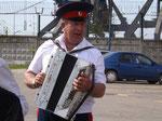 So denkt man sich das: russische Musik auf dem Akkordeon.