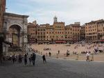 diese Ansicht von der Piazza del Campo haben wir gemalt