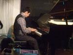 大人のピアノ 男性ピアノ初心者