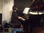 大人のピアノ 女性ピアノ初心者60代