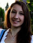 Marina  Hobby: Nähen, Musik - Liest gern spannende Bücher und Liebesromane