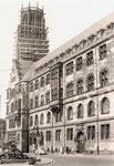Rückseite des Rathauses mit Salvatorkirche
