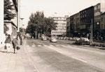 Königstraße. Gut zu erkennen das alte Karstadt-Gebäude und das Gloria-Filmtheater