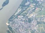 Luftbild Geisenheim, Aufnahme vom Juni 2016. Oben ist der Hafen von Rüdesheim zu erkennen