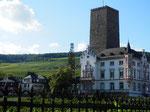 Boosenburg m. Blick auf die Seilbahn in Rüdesheim/Boosenburg and cable car in Rüdesheim
