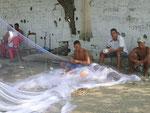 Fischer am Playa Salguero zur Mittagszeit