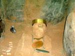Eine Mumie mit Grabbeigaben