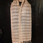 Schal aus Alpaka/Seide mit Perlen in den Fransen